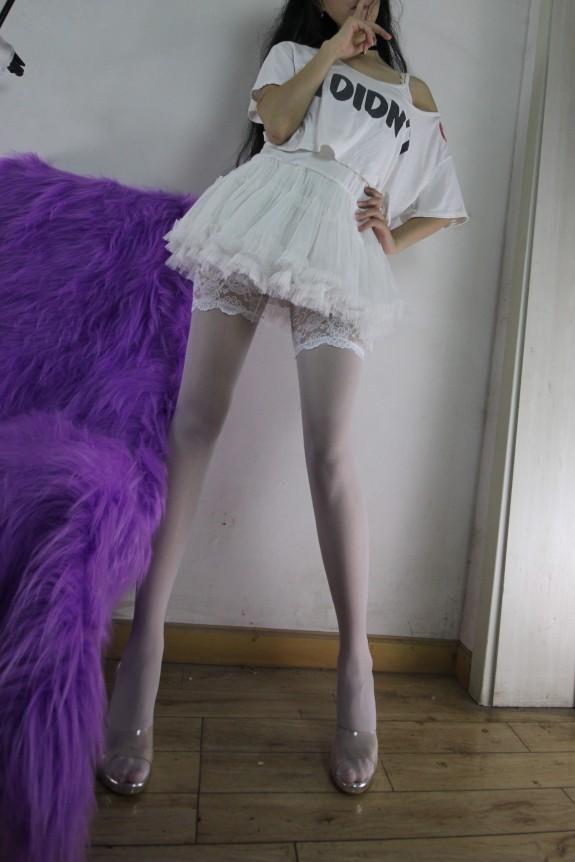 超强美腿女神-紫竹铃-各种道具往里塞【143图片+39视频,1.85GB】